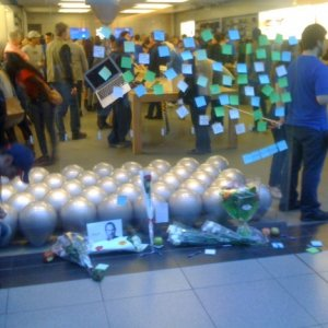 Steve Jobs Canadian Tributes